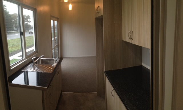 C851 Kitchen-Living